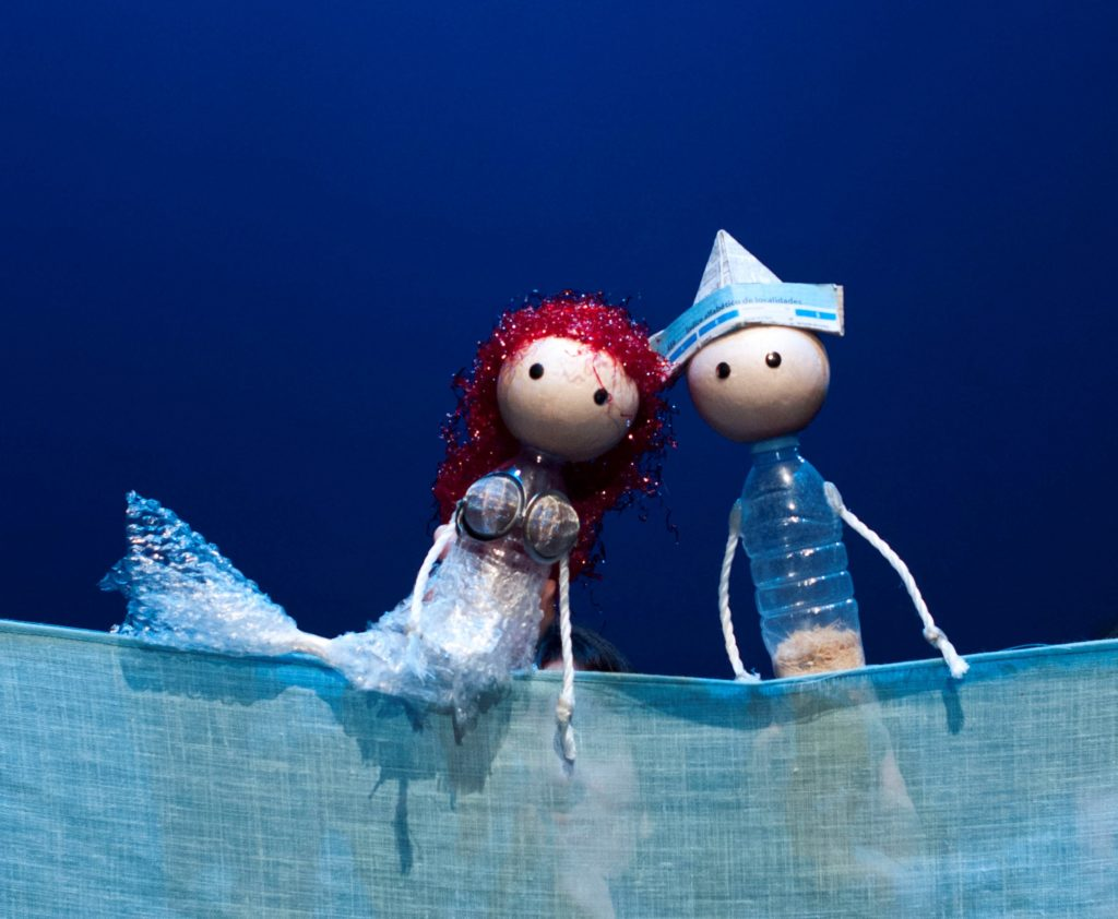 Martín y Martina, losprotagonistas de la versión de La sirenita de Andersen por La Canica. Imagen de archivo